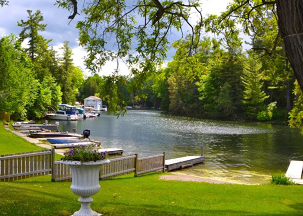 Dorothy's Lodge - 10 Awesome Places to Stay on the Rideau